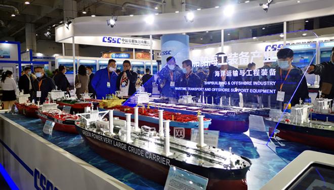 大连海事展开幕 40多艘大型船模集中亮相