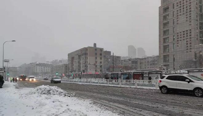 11级大风+暴雪 高速、滨海路、星海湾跨海大桥封闭